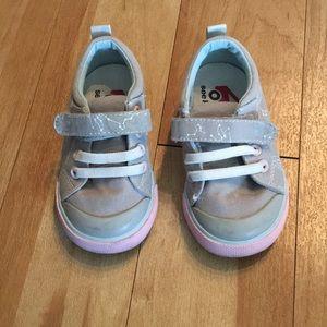 See kai run size 5.5 toddler sneaker